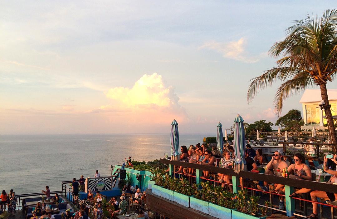990+ cafe dengan pemandangan pantai di bali HD Terbaru