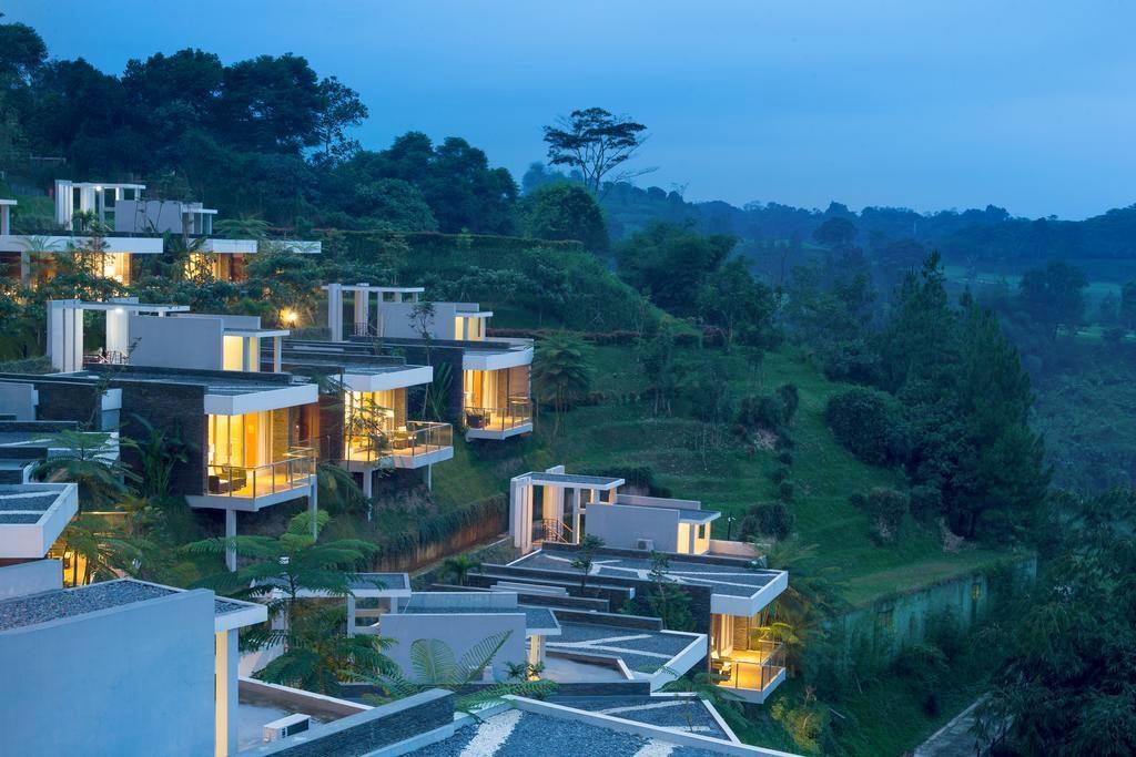 10 Tempat Romantis Di Indonesia Untuk Menikmati Bulan Madu