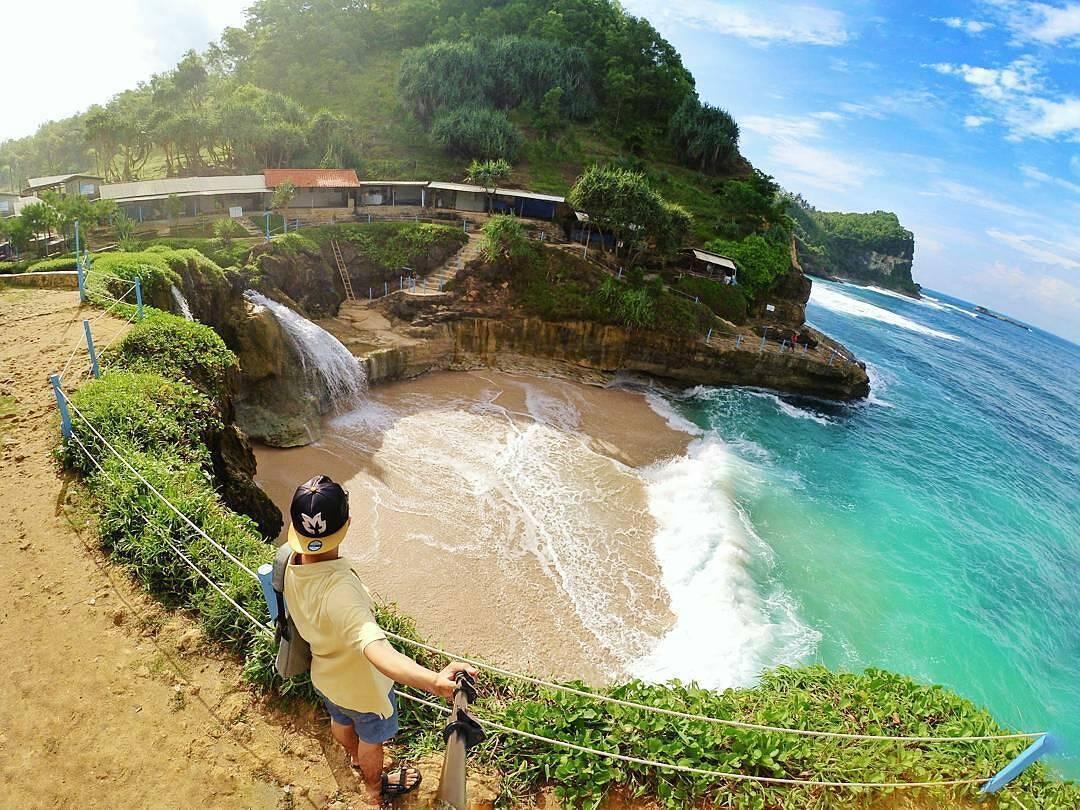 26 Pantai Di Pacitan Yang Indah Dan Mengesankan
