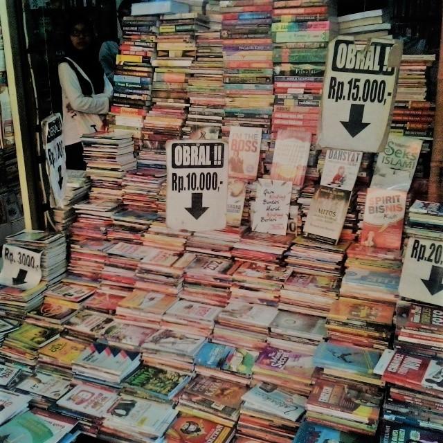 Toko Obral Novel Dan Majalah Langka d1aa34ba8a