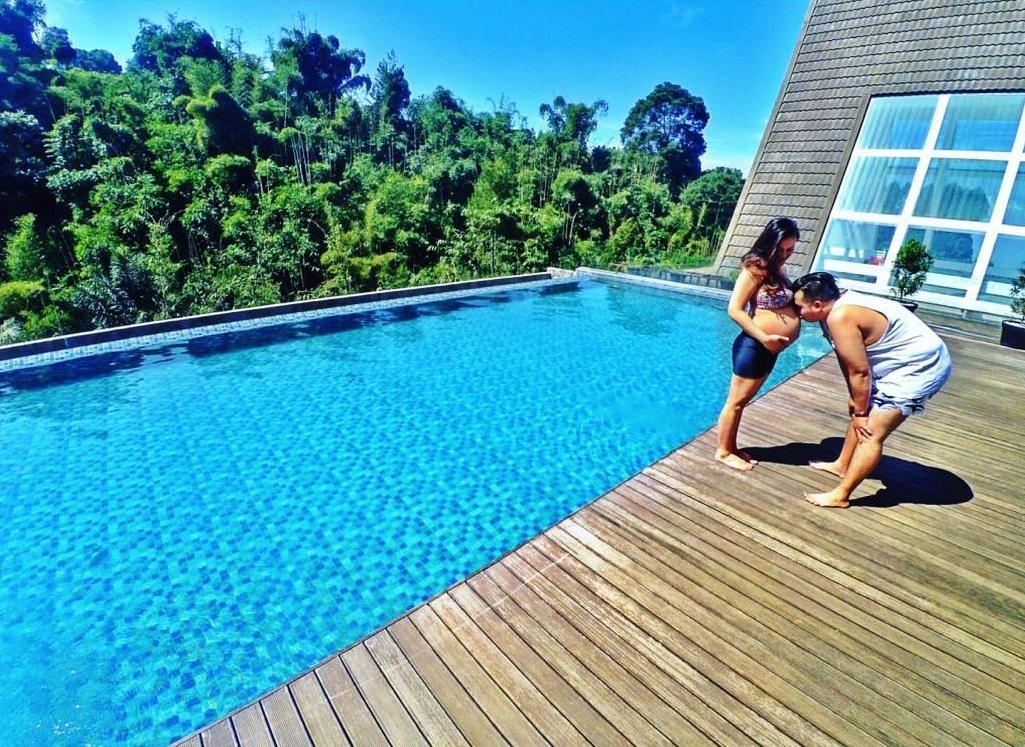 Di Bawah 500 Ribu Inilah 5 Hotel Di Bandung Dengan Infinity Pool Yang Keren