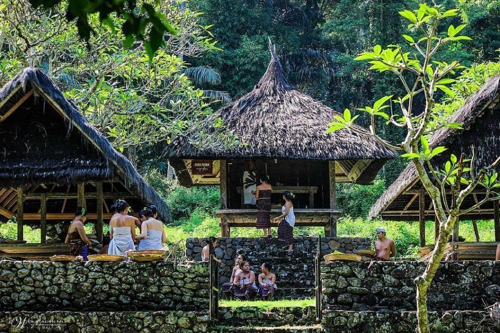 Hasil gambar untuk 2. Desa tradisional yang unik
