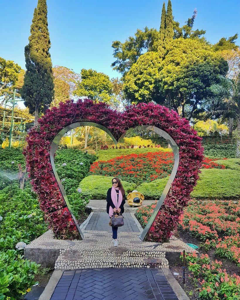 15 Wisata Taman Bunga Di Indonesia Yang Membuatmu Serasa Di Luar Negeri