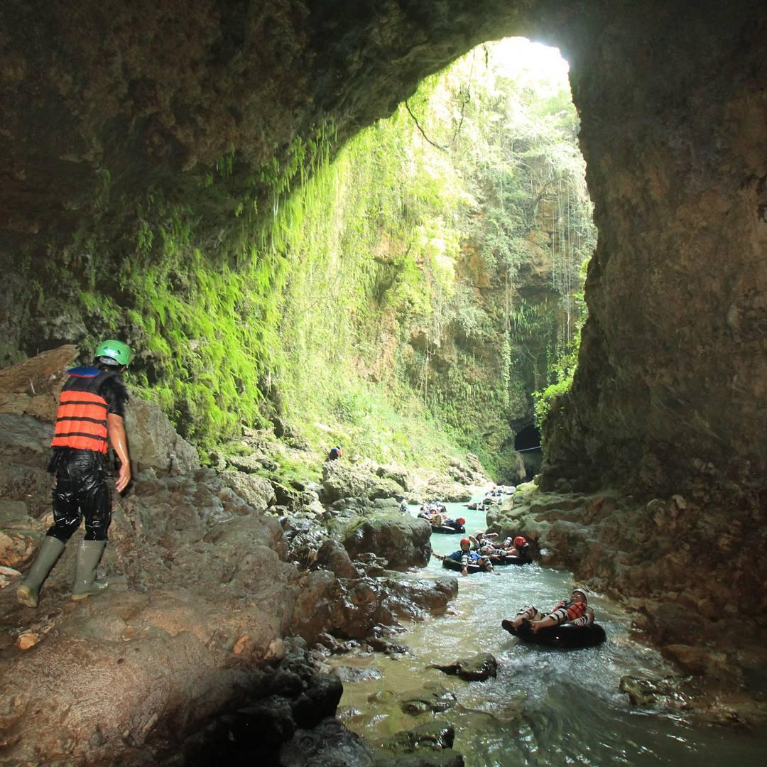 Cave Tubing Kalisuci, Gunung Kidul   Sumber: TripZilla Indonesia