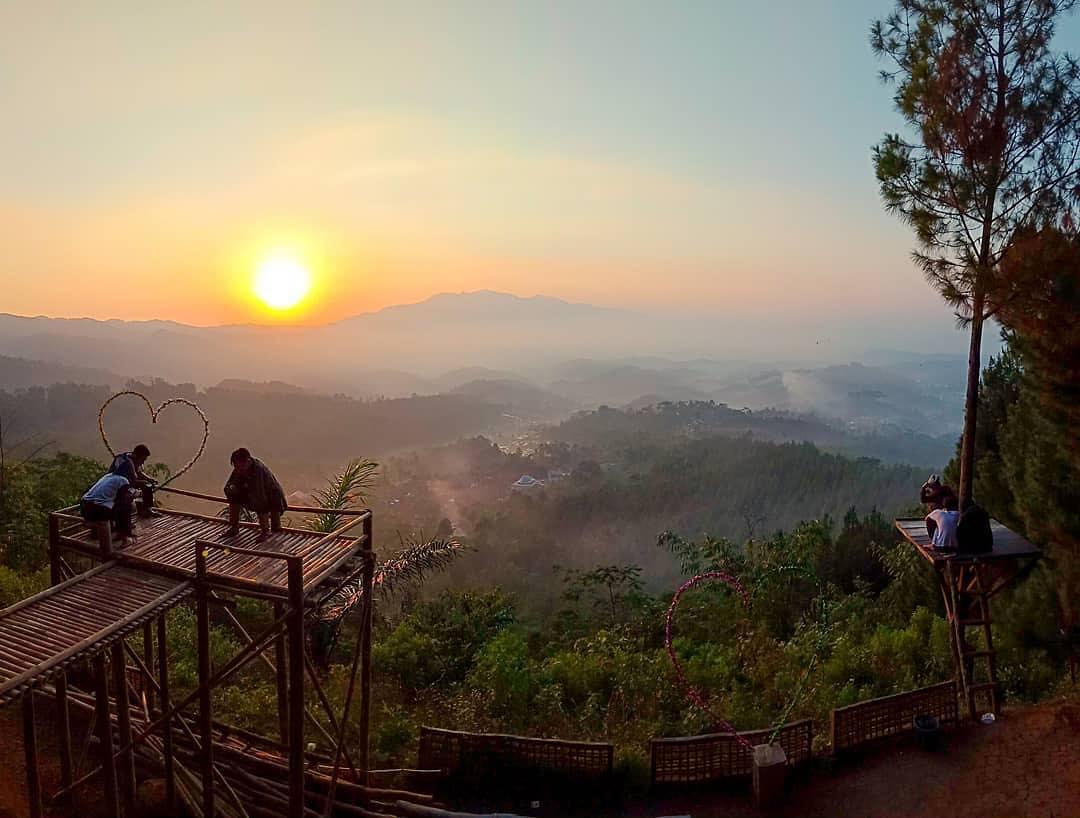 7 Destinasi Wisata Di Brebes Yang Eksotik Dan Memuaskan Hati