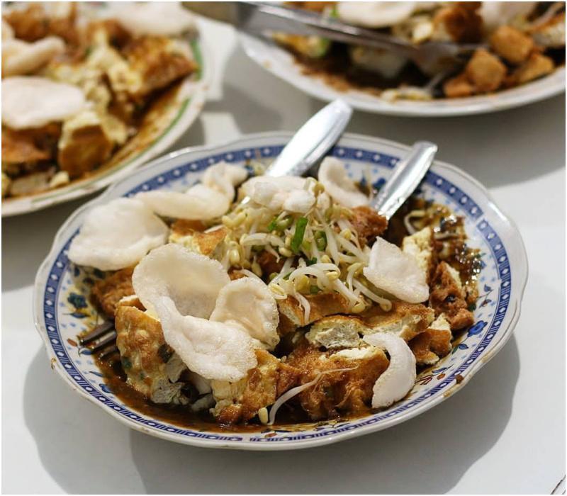 Makanan khas Malang - Tahu Lontong