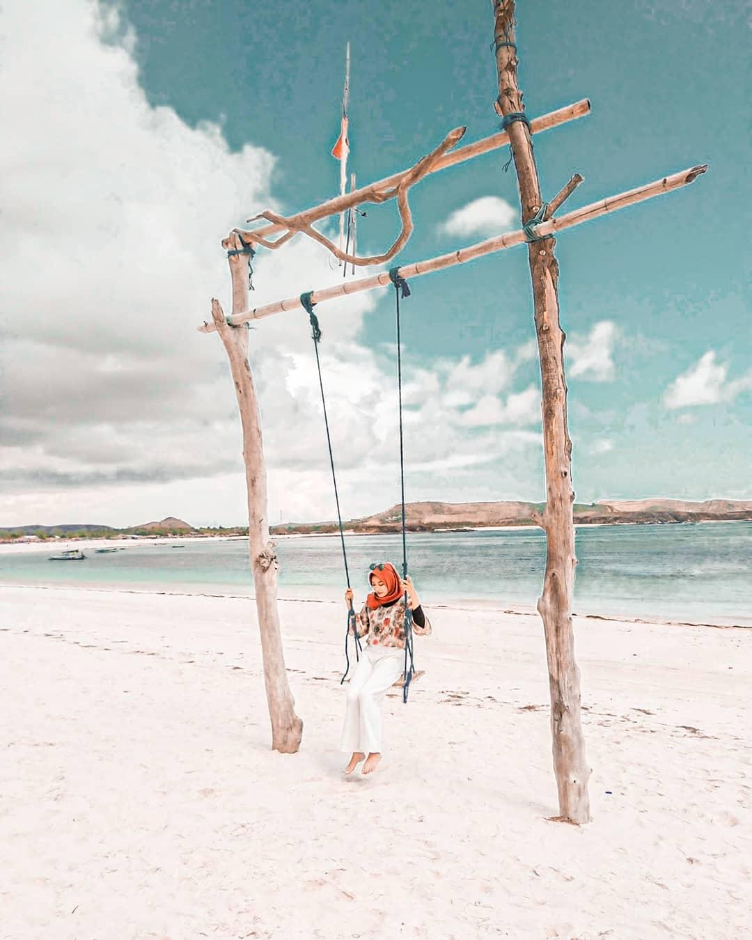 pantai di lombok