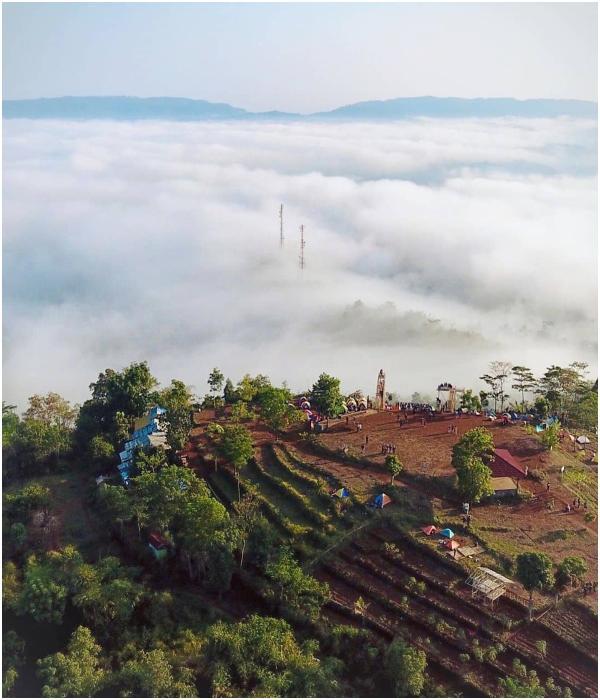 1 Bukit Pamoyaman - TEMPAT WISATA ALAM SUBANG DI AKHIR PEKAN