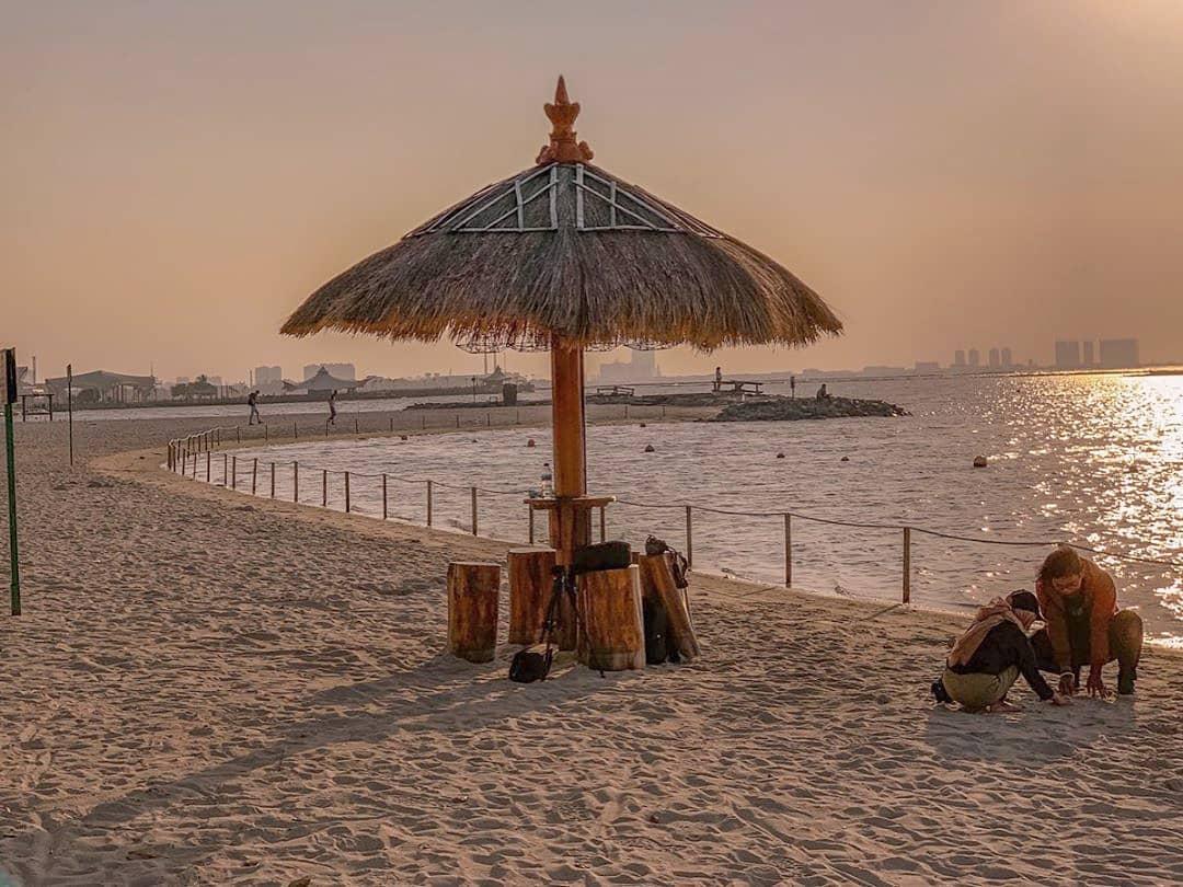 7 Pantai Sekitar Jakarta Ini Siap Jadi Destinasi Liburan Singkat Kamu