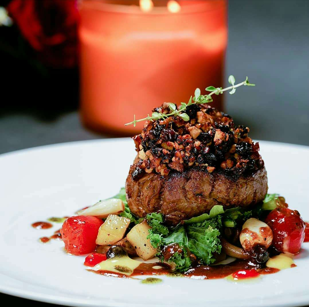 Portable Kitchen & Lounge   restoran milik chef