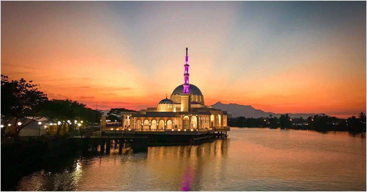 Kuching waterfront | tempat wisata di Kuching