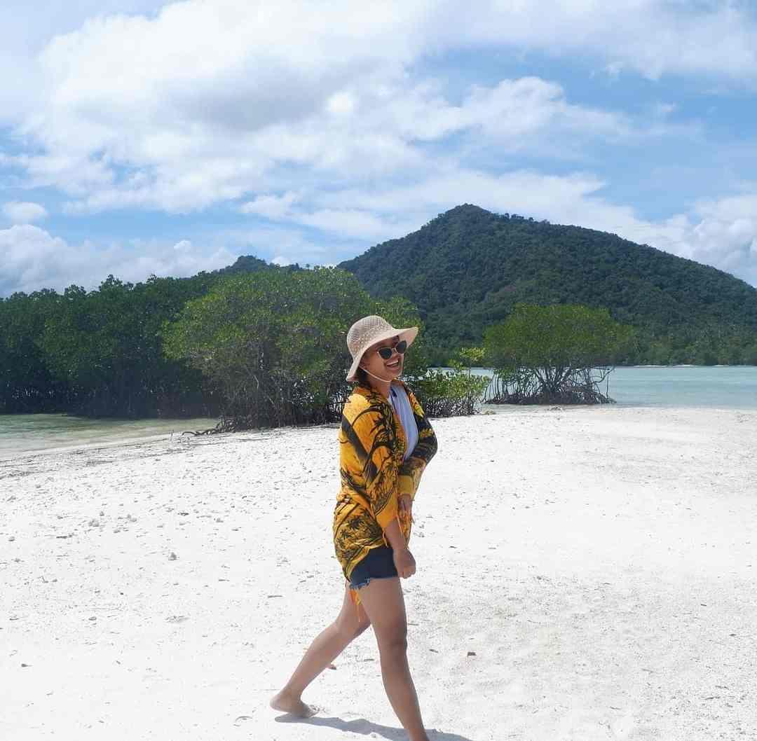 Pantai Pulau Pahawang di Lampung