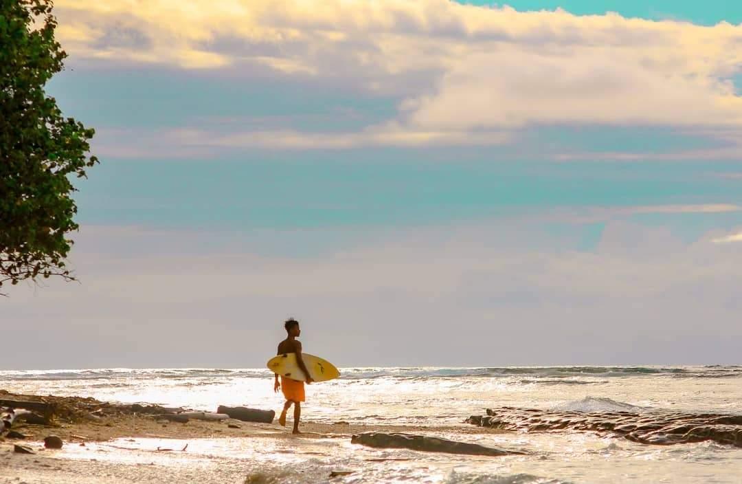 Pantai Tanjung Setia di Lampung