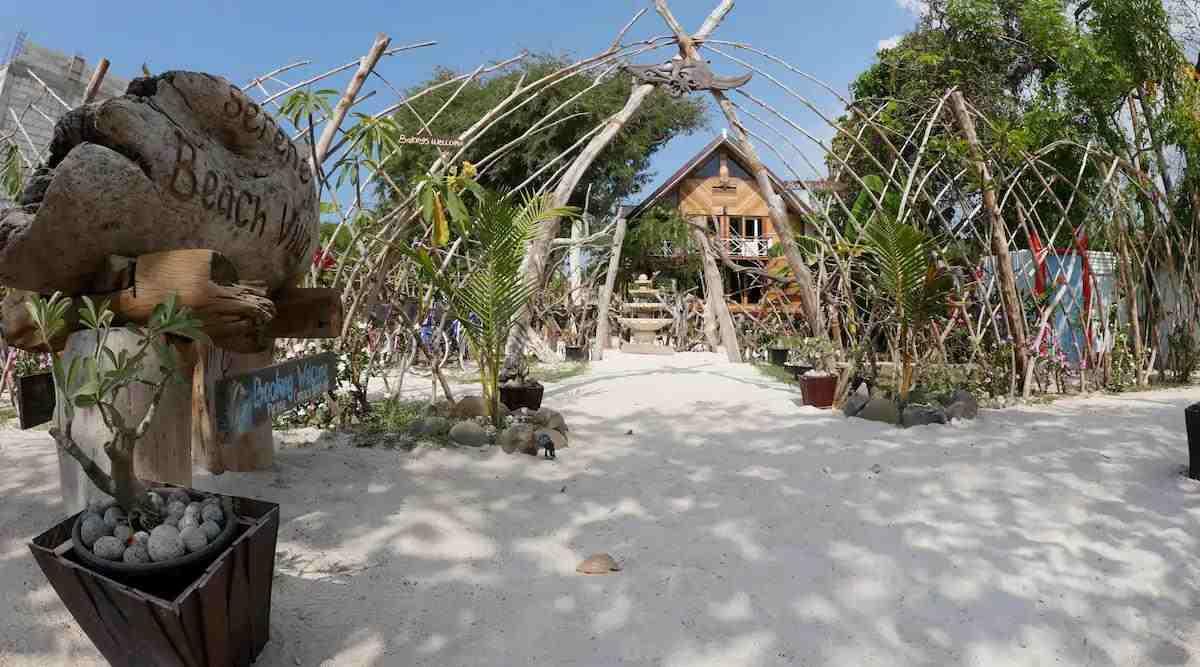 airbnb lombok view pantai