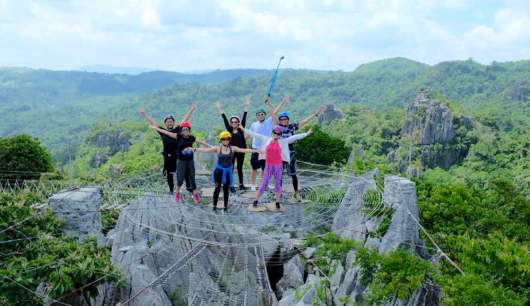 7 Quick Tourist Attractions Near Manila For The Long