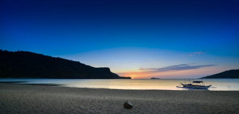10 Beaches Near Manila for Long Weekends & Quick Getaways