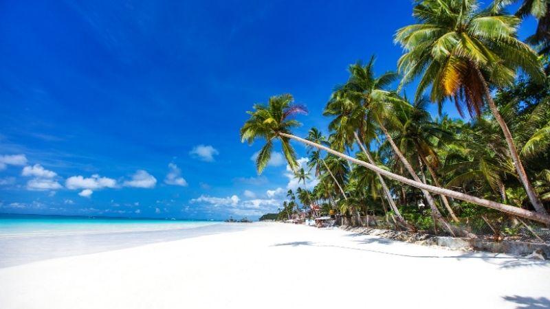 Boracay open to tourists
