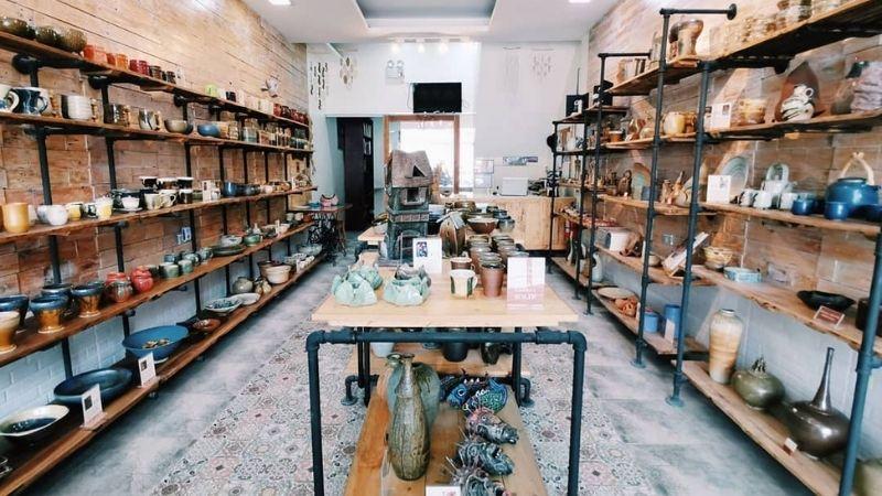 pottery class in tahanan pottery manila