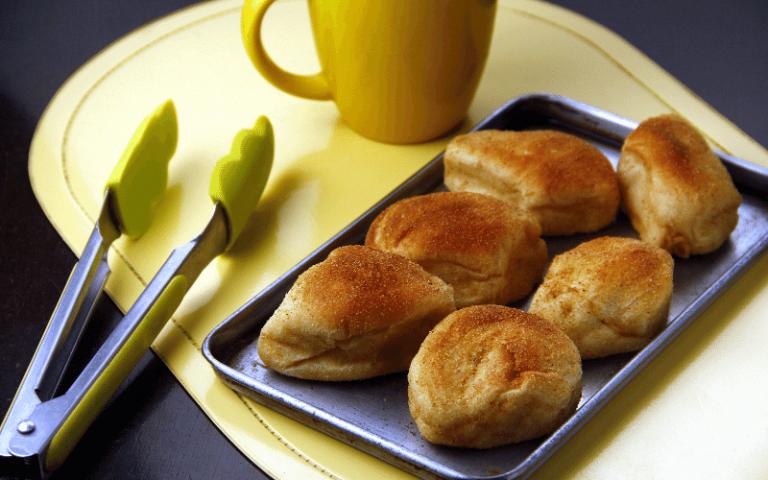 pandesal pinoy breakfast