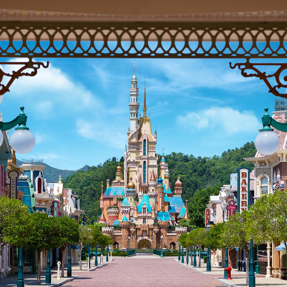 Castle of Magical Dreams Opens in Hong Kong Disneyland