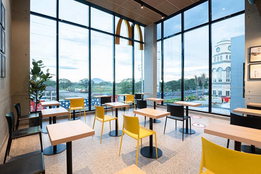 biggest mcdonald's in the philippines