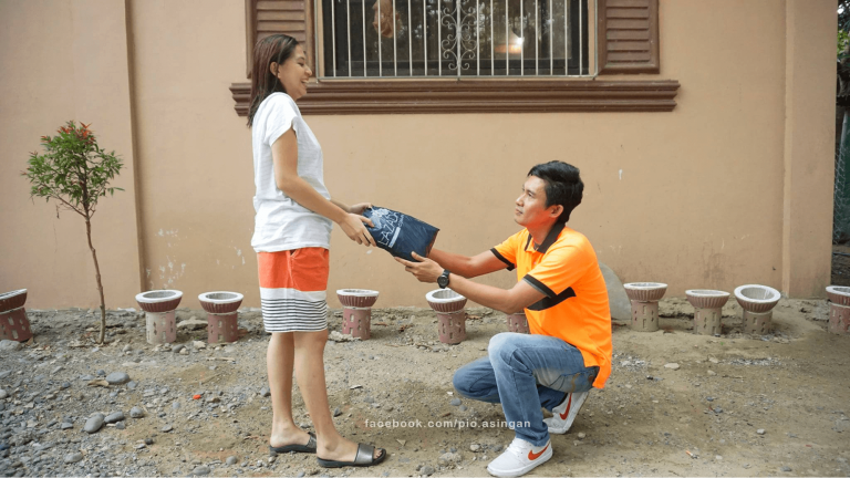 delivery rider marries online shopper 1