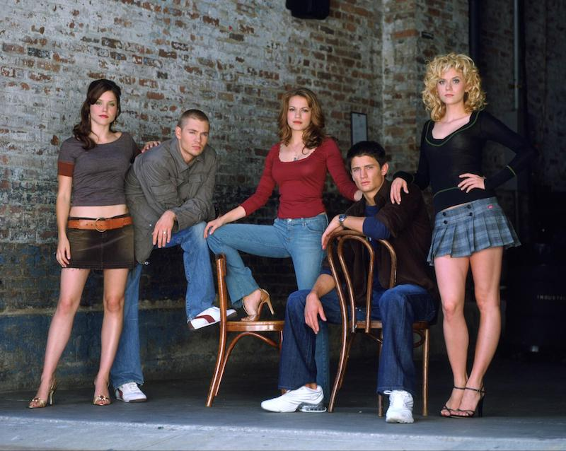 iconic teen drama series of the early 2000s