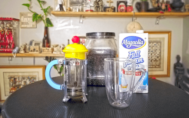 froth milk french press