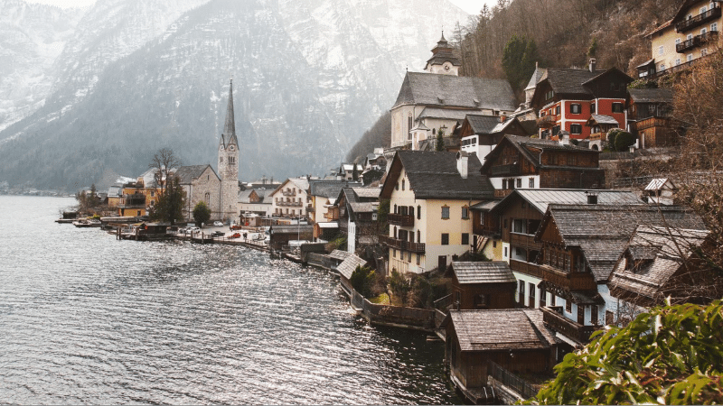 fairy tale destinations: Hallstatt