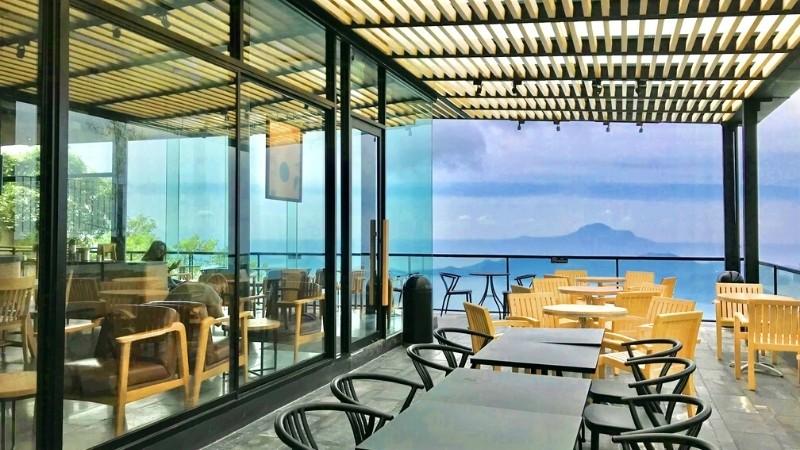 Prettiest Starbucks in the Philippines: Domicillo Design Hotel Tagaytay