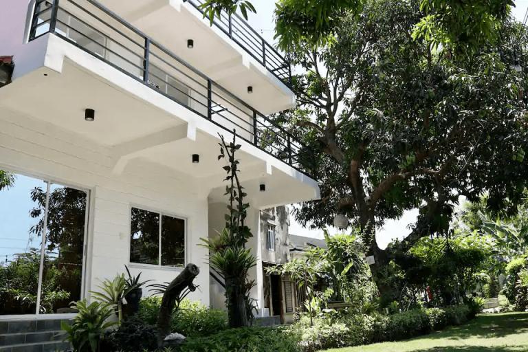 Airbnb Monthly Rentals san fernando
