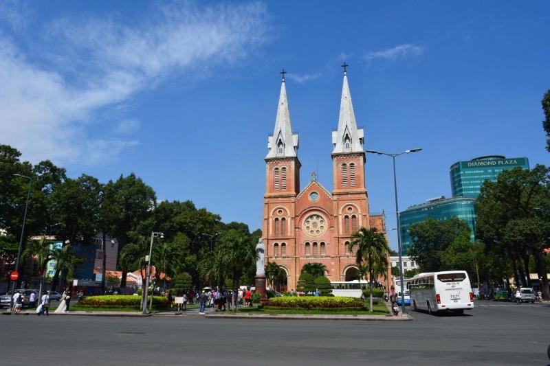Địa điểm đi chơi ở Sài Gòn - Nhà thờ Đức Bà