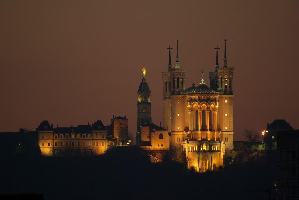 Đồi Fourvière và Đại Giáo Đường Notre Dame
