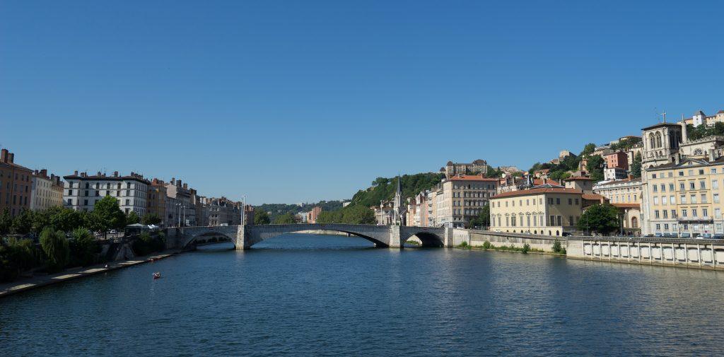 Bờ kè sông Rhône và sông Saône