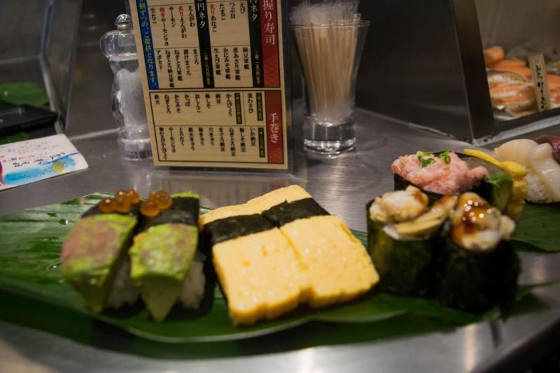 Ăn sushi cả ngày
