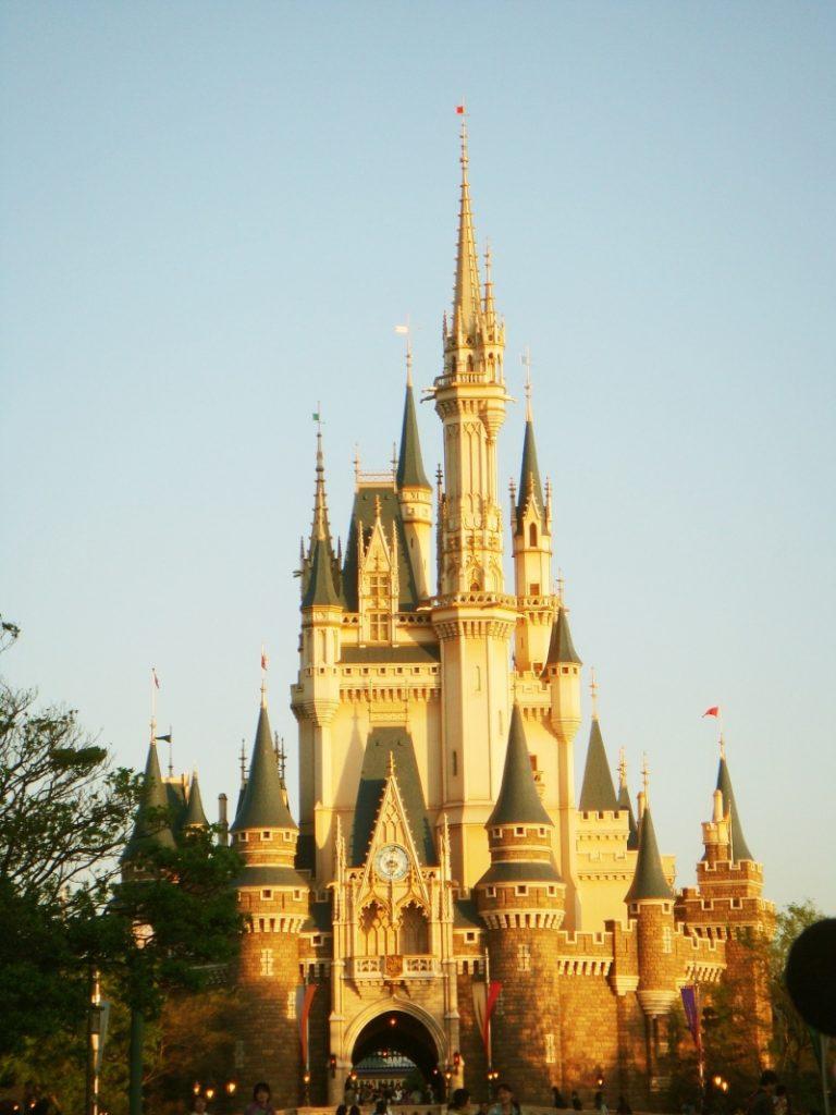 một ngày vui chơi ở Disneyland và Universal Studios