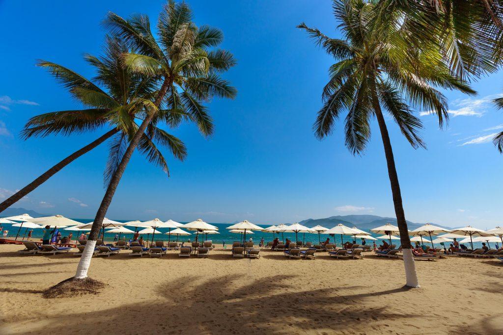 Nha Trang: Tưởng Tượng Và Thực Tế Bãi biển