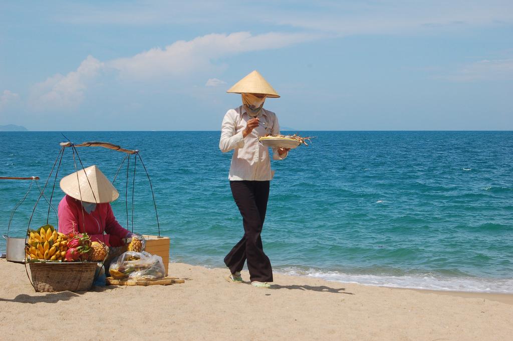 Nha Trang: Tưởng Tượng Và Thực Tế Dân bản địa