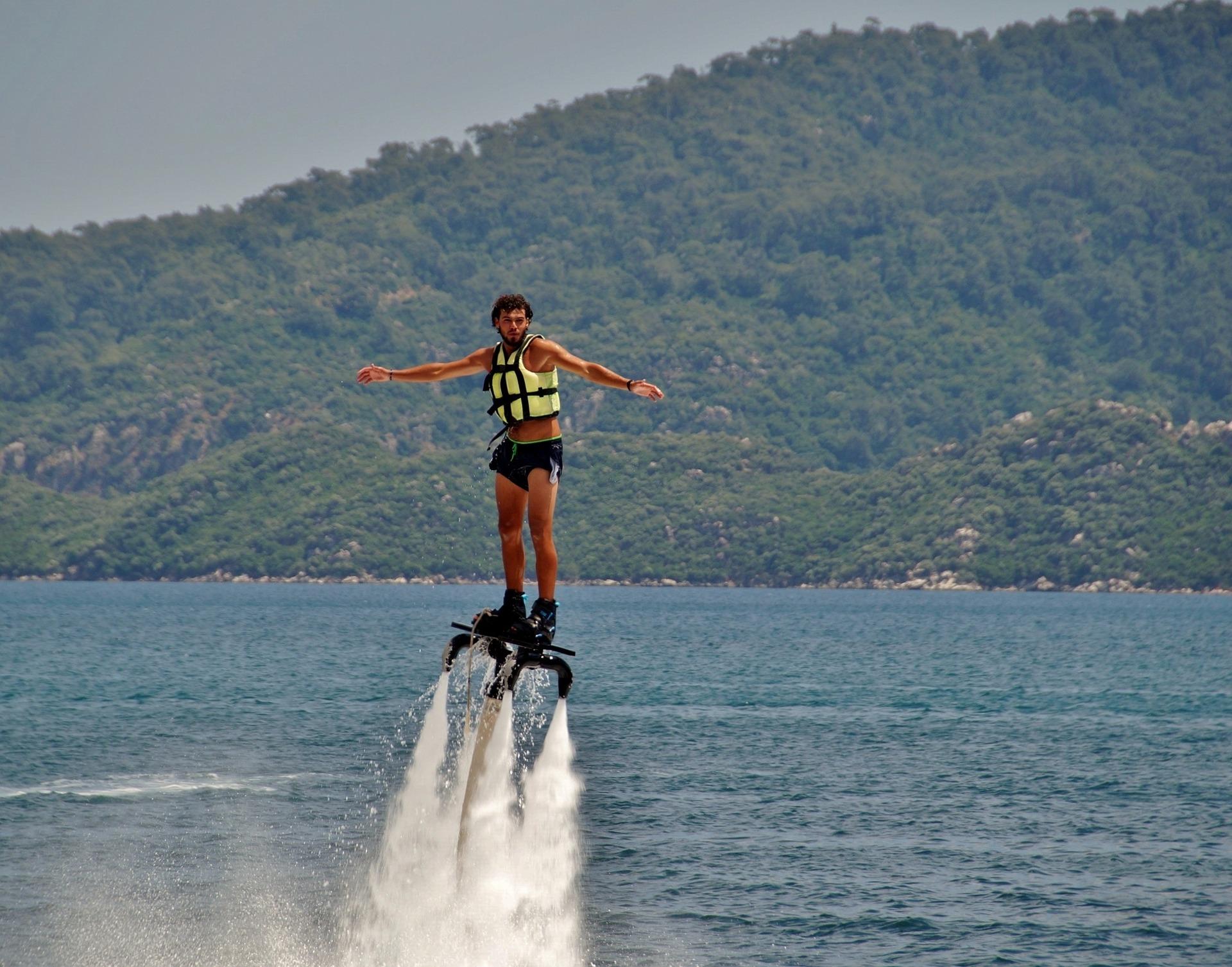 thể thao biển tại Nha Trang, nhào lộn với flyboard