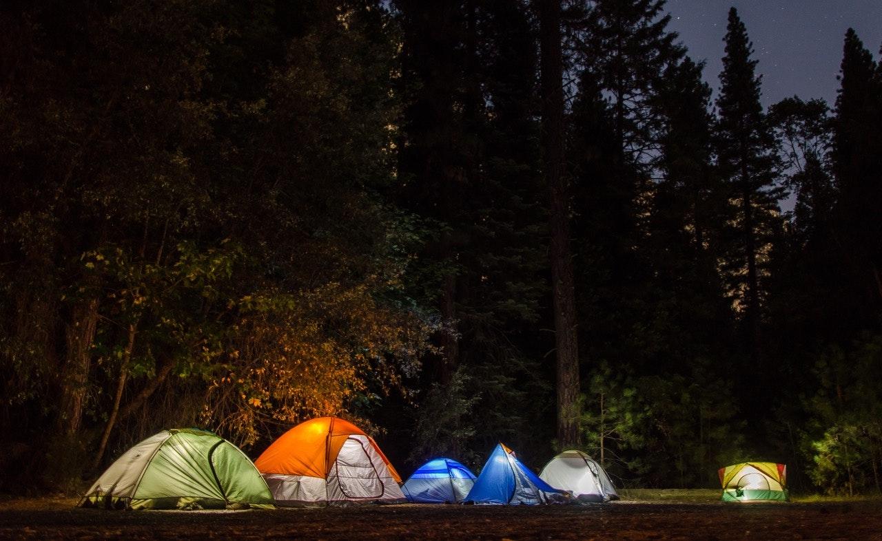 Đi du lịch giá rẻ, cắm trại