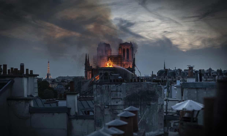 đám cháy tại Nhà Thờ Đức Bà Paris