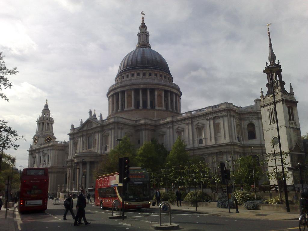 địa điểm du lịch Anh - Nhà thờ Thánh Palo