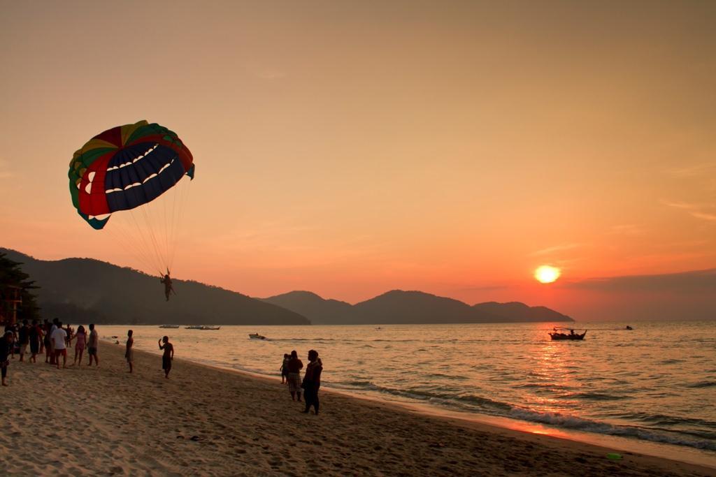 địa điểm du lịch Penang - Bãi biển Batu Ferringhi