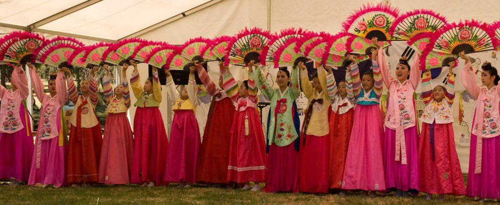 trang phục truyền thống Hanbook