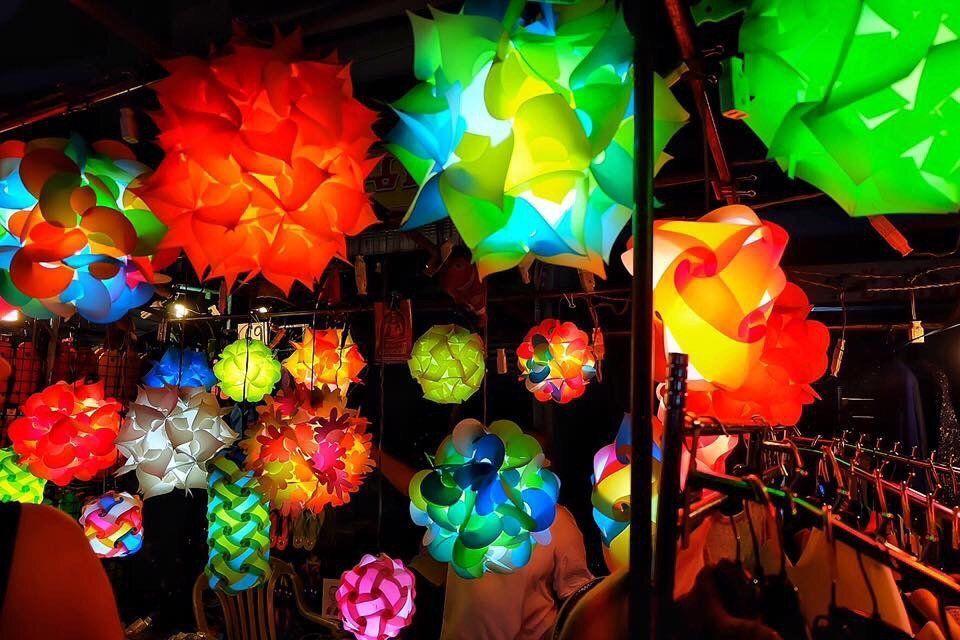 Lồng đèn giấy Chiang Mai?