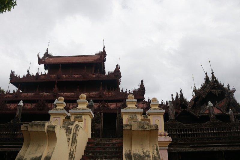 Tu viện Phật giáo mở khắp Myanmar