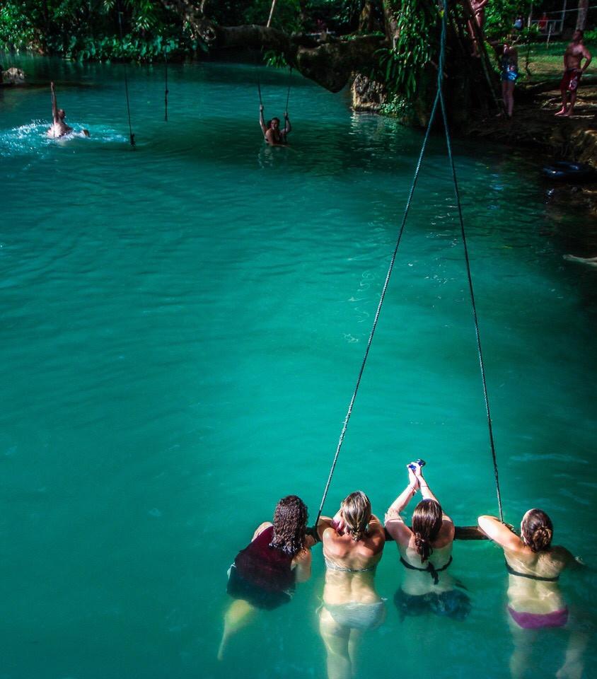Đầm Blue Lagoon