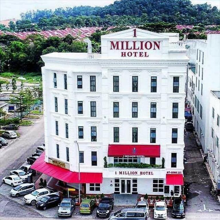 1 Million Hotel