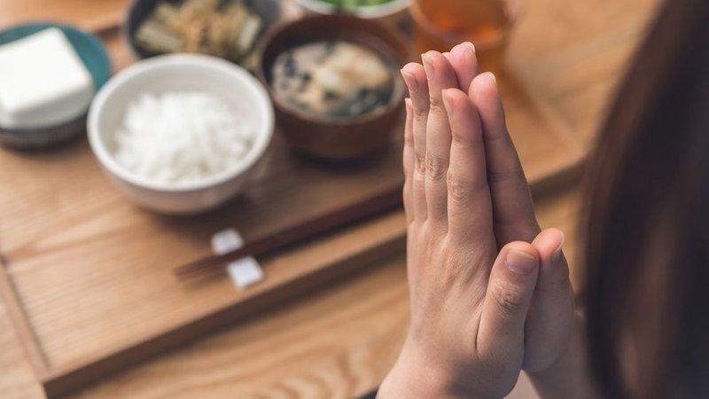 "Thói quen nói ""itadakimasu"" trước mỗi bữa ăn"