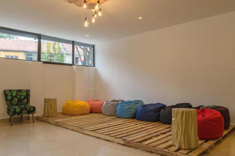 Summer House Bed & Café